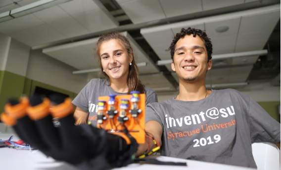 Edgardo '21 and Alina Zdebska invented the ADAM Hand Exerciser as part of the 2019 Invent@SU program.